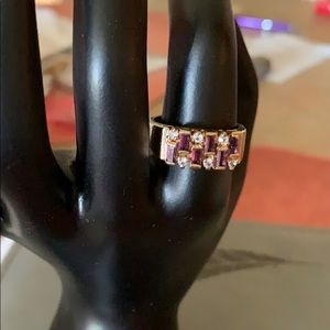 Jewelry - Beautiful yellow gold amethyst/crystal ring.
